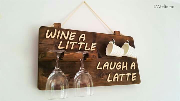 Raft pahare vin cesti cafea wine latte lemn L'Ateliemn Sibiu Heartwarming