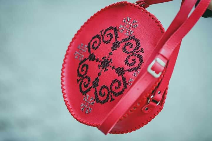 Geanta piele handmade cadou cadouri sibiu craciun heartwarming sibiu